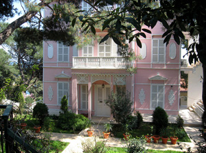 Ottoman house on tour of Princes' Islands, Istanbul